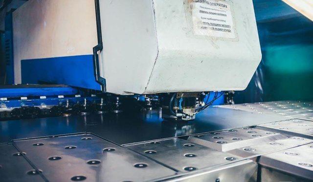Горячая штамповка металла: технология и оборудование